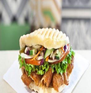 Broodje Döner (€3.50)